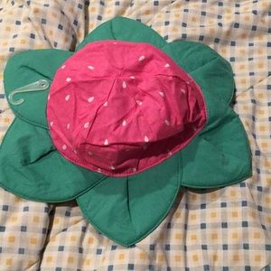 Flower Velcro strapped baby hat 12-24m NWT